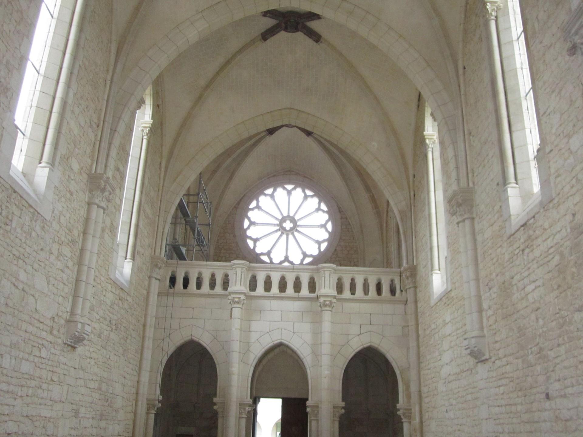 vitrier à La Roche-sur-Yon monuments et collectivités 85