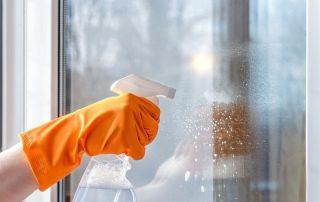 Nettoyer des vitrages - pose de vitrage vitrier à La Roche-sur-Yon (85)
